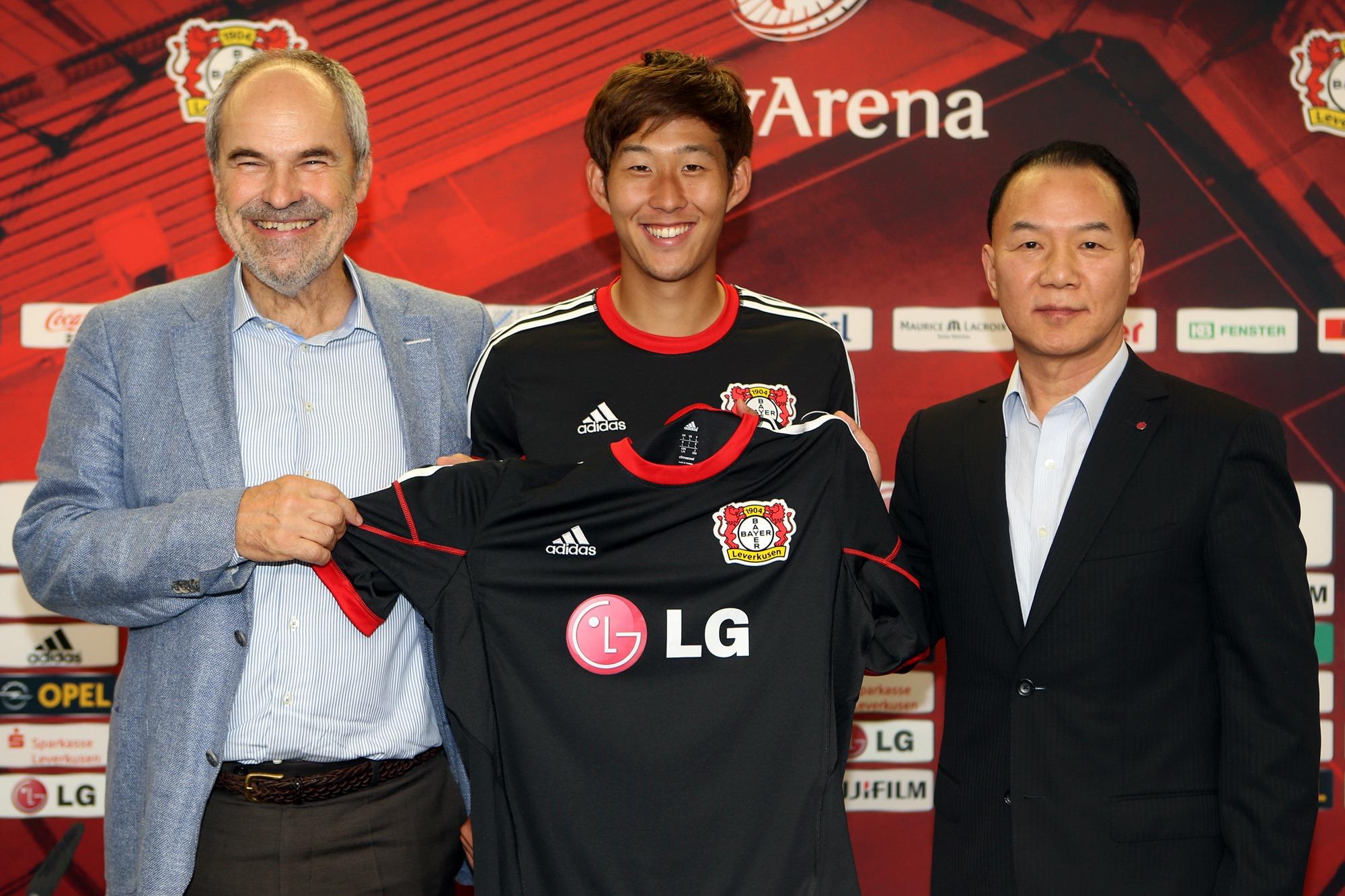 Son Heung-Min in Bayer Leverkusen bei der LG Pressekonferenz (CC 2.0 by LG)