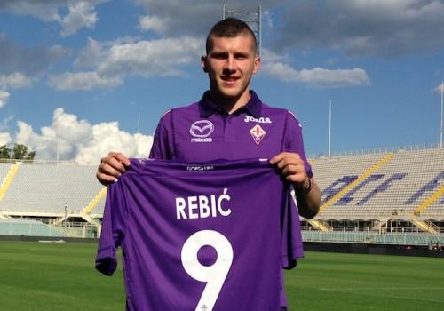 Ante Rebic bei seinem Wechsel zur Fiorentina. (Foto: Francesco Vercelli/Fiorentina cc-by-sa3.0)